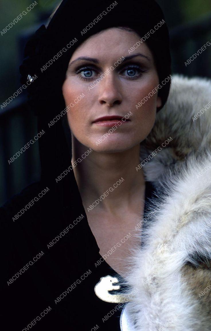 beautiful Susan Clark portrait 35m-2127