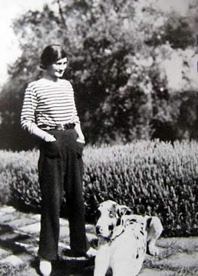 Saint James Tee, looked good then, looks good now. This is Coco Chanel wearing it.