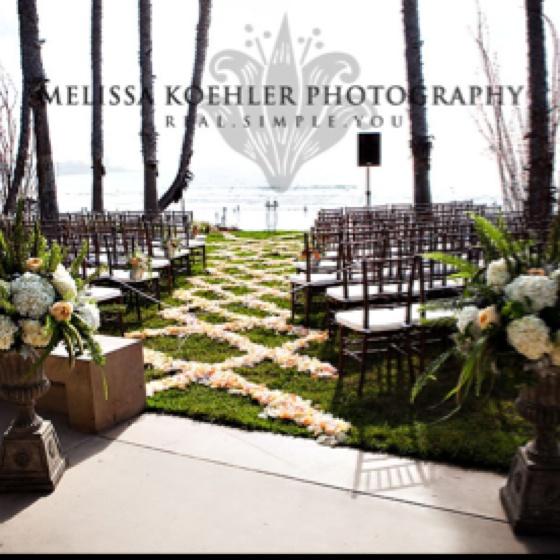 Best 25 Cheap Backyard Wedding Ideas On Pinterest: Best 25+ Wedding Walkway Ideas On Pinterest