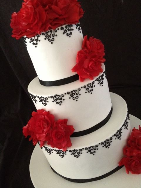 red and black themed wedding cakes 732 best images about white and black wedding theme on 19065