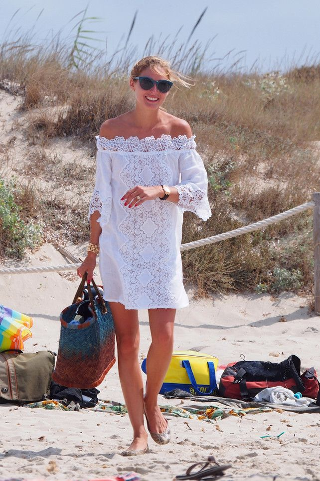 Cambiando el estilismo, podría ser un vestido perfecto para una boda en la playa . Si te ha gustado este pin visita eltiovivorojoblog.wordpress.com y comparte tus ideas y comentarios.
