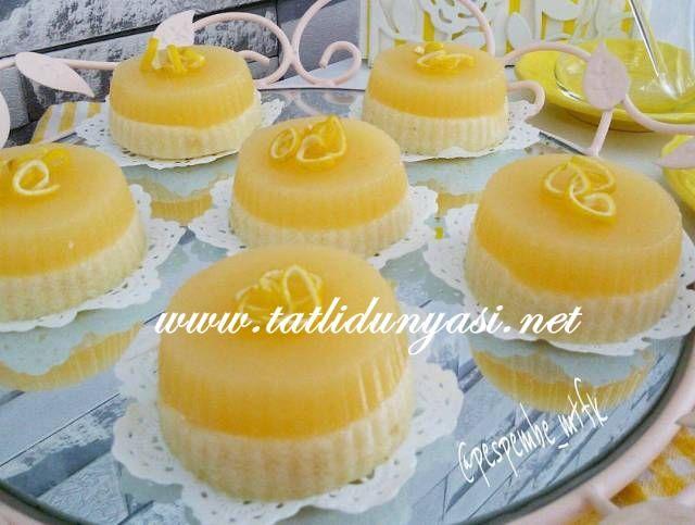 Limonlu Mandalinalı Sütlü İrmik Tatlısı Herkesin mutlaka denemesi gereken bir tat bence. Limon ve mandalina ile buluşan Sütlü İrmik Tatlısı son derece lezzetli oluyor. Minik silikon muf