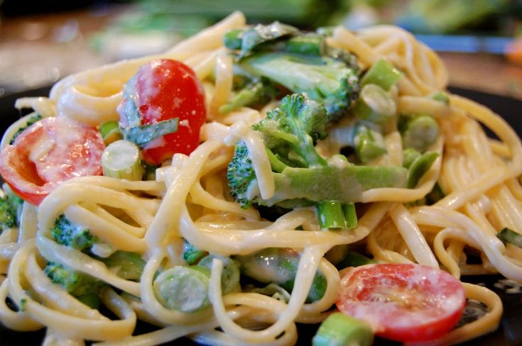 Pasta Primavera   Pasta tossed with noodles in a light cream sauce. A nice compliment to the chicken.