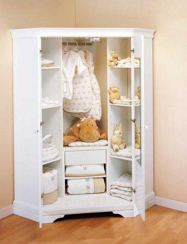 472 best chambres de b b images on pinterest for Armoire chambre bebe