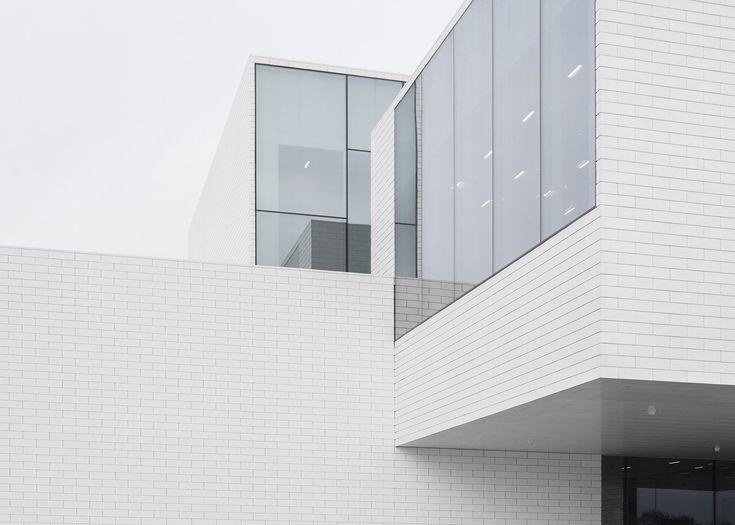 LEGO Housewas designed byDanish architecture firm Bjarke Ingels Group, also know as BIG. Located in the town where LEGO was invented, Billund, Den...