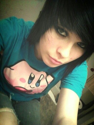 emo girl black hair
