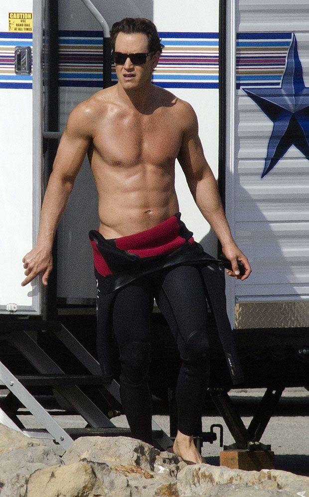 Mark-Paul Gosselaar   Mark-Paul Gosselaar Goes Shirtless While Filming Franklin  Bash ...