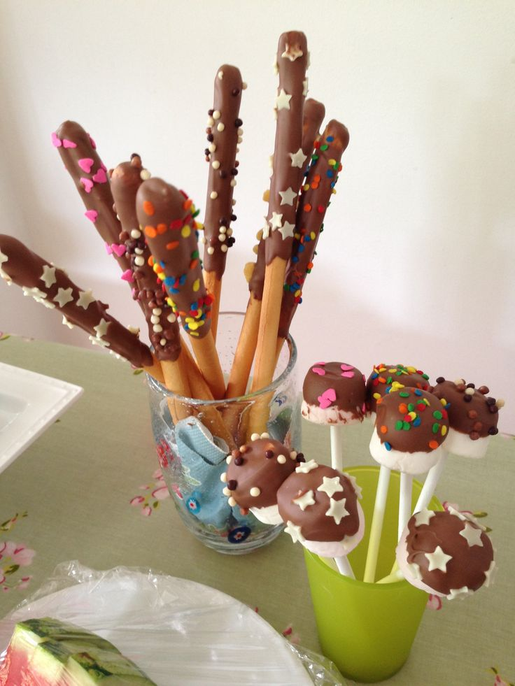 Easy peesy kids children's party food