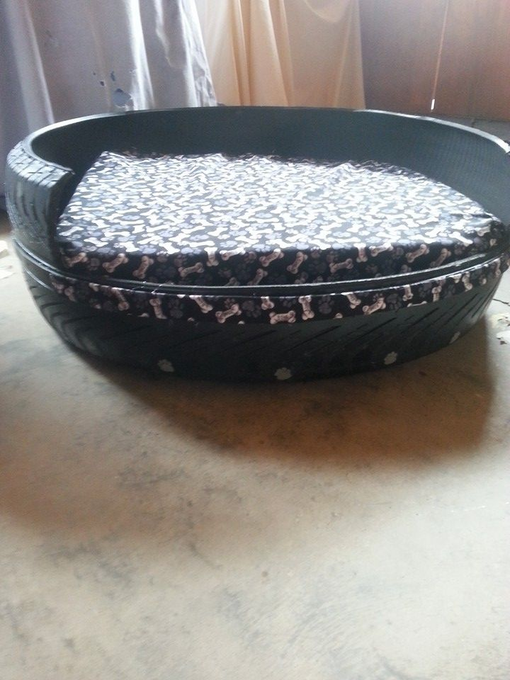 Indoor Or Outdoor Dog Bed I Made From A Tire Diy Pet