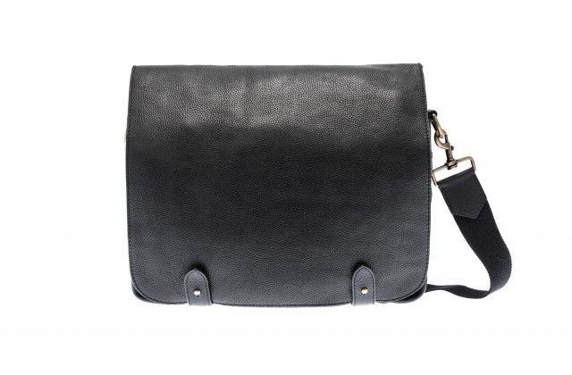 Postman Bag Large - Udonly #nordicdesigncollective #udonly #postmanbag #postvaska #svart #black #grey #fiftyshadesofgrey