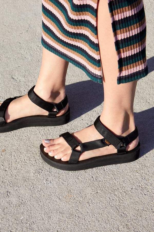 Midform Universal Teva Sandal Midform Sandal Teva Universal In 2020 Teva Sandals Teva Sandals Outfit Teva