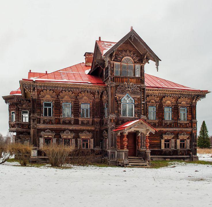 #Russia Совершенно чудесный деревянный терем, затерянный в северных глухих лесах…