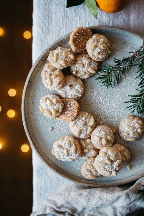 satsuma + rosemary pignoli nut cookies | dolly and oatmeal