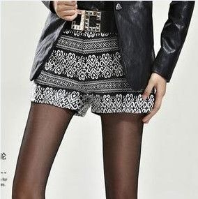 Shorts with geometric pattern - Hichinashopping.com can help you to buy the apparel,shoes,bags,accessories,home decor,electronics items...... on china online shopping website and ship to you!and ship to you!