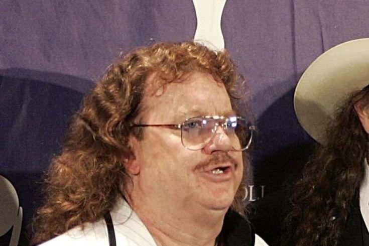 Lynyrd Skynyrd pianist Billy Powell survived a 1977 plane crash.