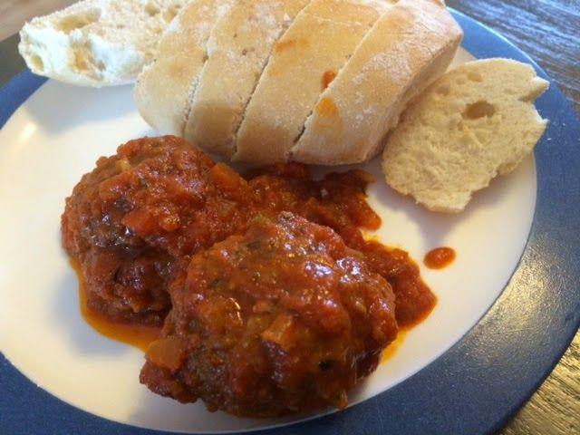 Griekse gehaktballetjes in tomatensaus, gyros