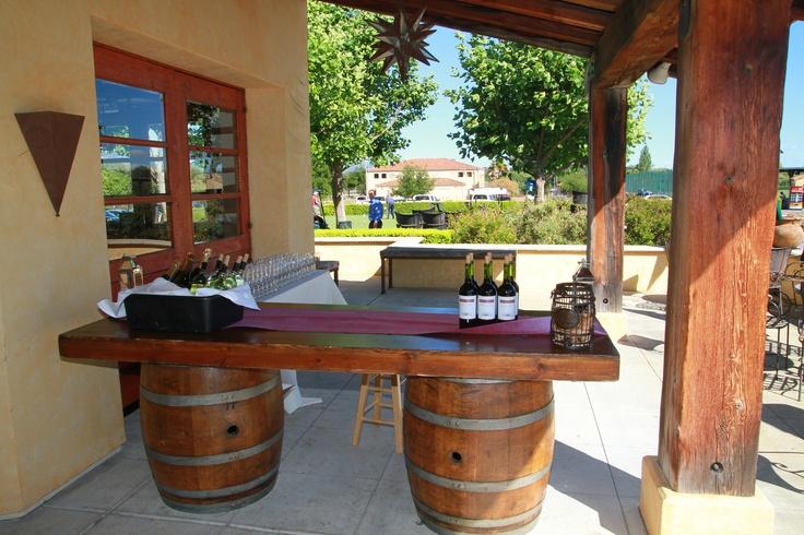 Wine barrel bar outdoor gardening pinterest wine for How to make a wine barrel bar