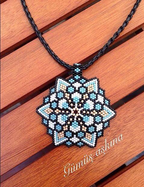 peyote grapic flower pattern