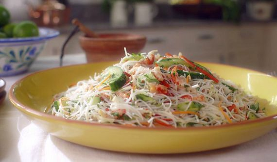 Mary+Berry+Vietnamese-style+crayfish+and+rice+noodle+salad+recipe+on+Mary+Berry's+Foolproof+Cooking