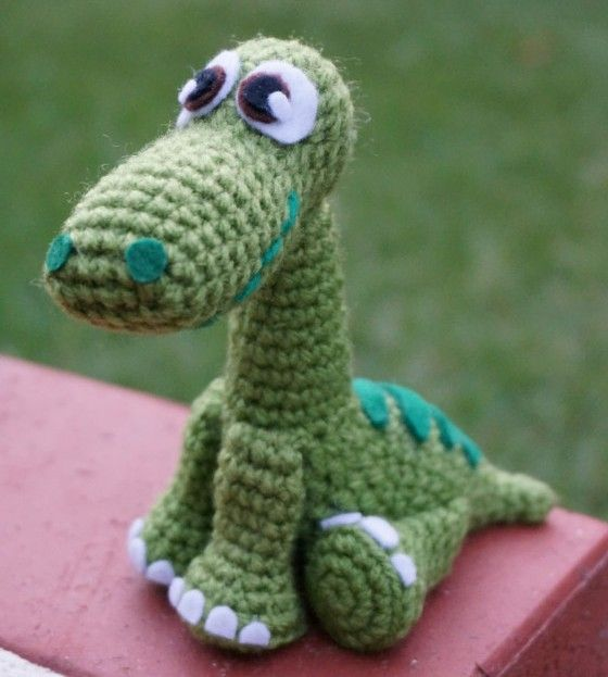 Dinosaurio de ganchillo amigurumi