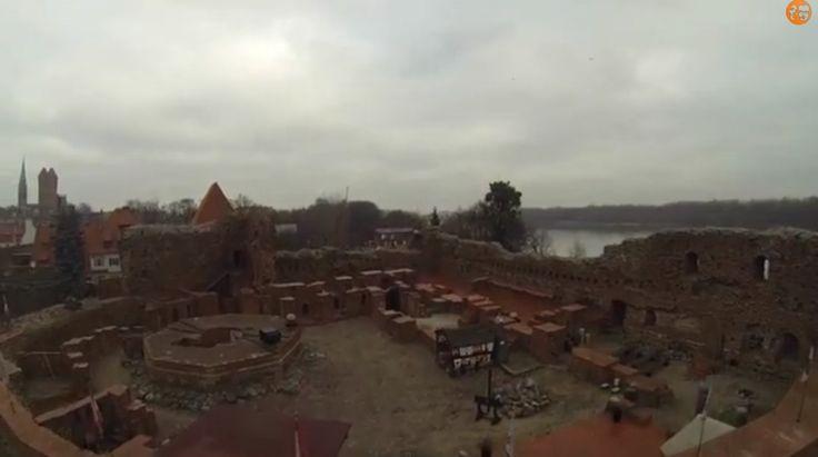Dron nadtoruńską Starówką (wideo).