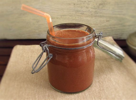 Chocolate orange milkshake   Food From Portugal. This chocolate orange milkshake is an excellent choice on a hot summer afternoon! Quick, simple, delicious and quite refreshing...  http://www.foodfromportugal.com/recipe/chocolate-orange-milkshake/
