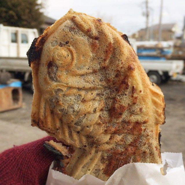 昼まで寝てて、起きてよしかわで鯛焼きの朝食というか昼食。焦げたところがパリパリ香ばしい。