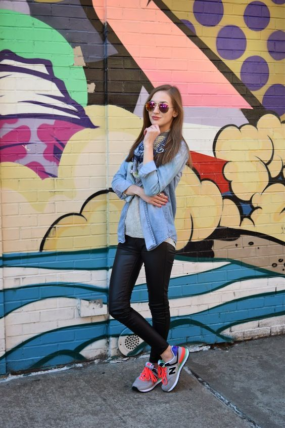 tenis con jeans negros