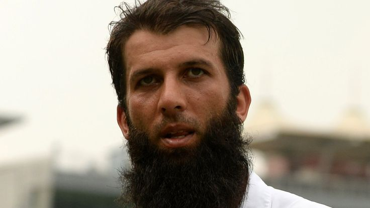 Lawro's Premier League predictions v England spinner Moeen Ali    BBC football expert Mark Lawrenson takes on England spinner Moeen Ali in this week's Premier League fixtures.   http://www.bbc.co.uk/sport/football/38796162