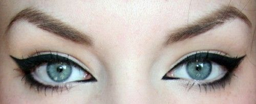 liner.Cat Eyes, Wings Eyeliner, Wings Liner, Beautiful, Cateye, Makeup Looks, Cat Eye Makeup, Eyemakeup, Eye Liner