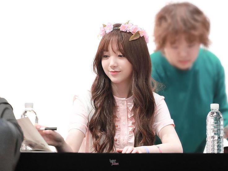 [PICS] 151010 #Lovelyz :Kei: - Yongsan Fansign  ©Lovelyz_Juliet  http://i.imgur.com/FK4nkx6.jpg