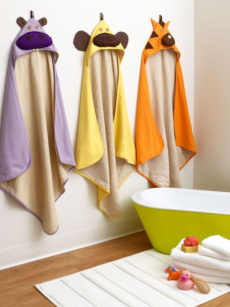 Enter to win $250 to @3 Sprouts - how adorable are their animal bath towels?!