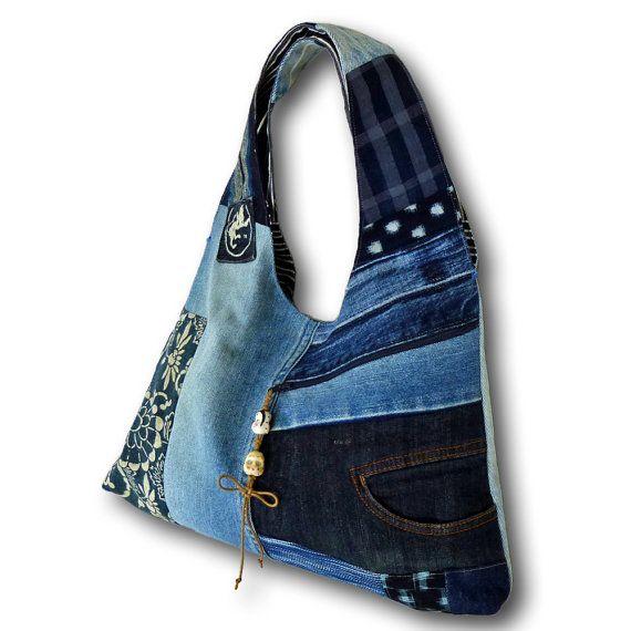 Pantalones vaqueros viejos reciclados & bolsa Hobo de tela índigo teñidas a mano antiguo