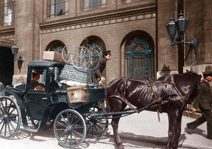 Berlin 1908:Droschke vor dem Stettiner Bahnhof,mit Kinderwagen als Reisegepaeck.
