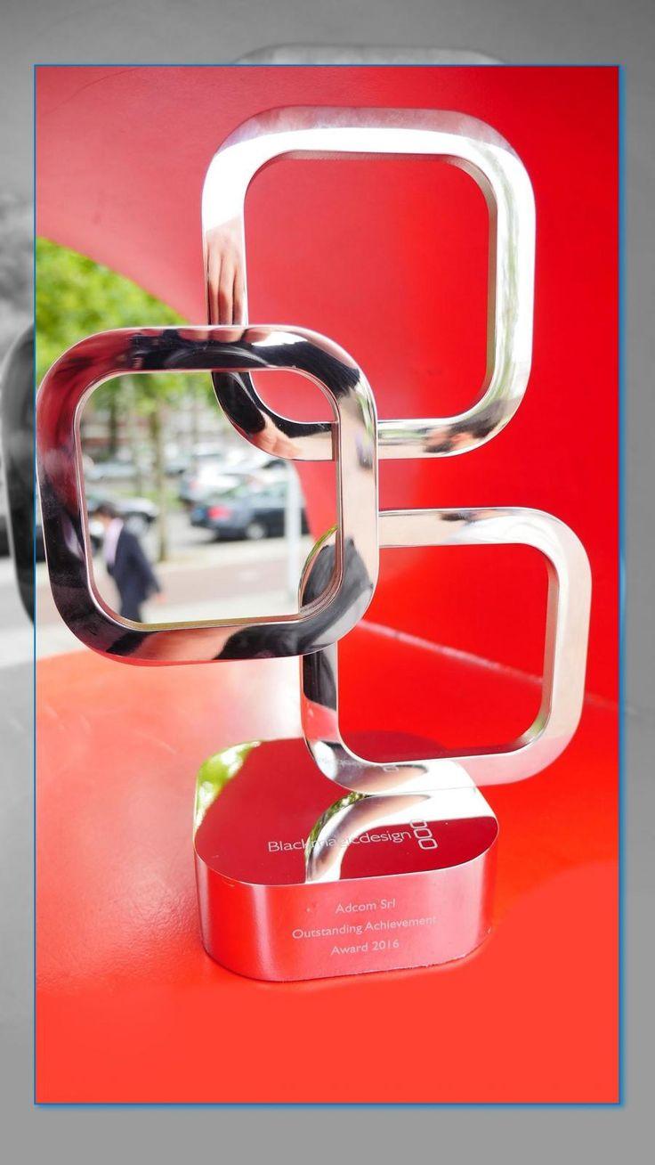 Blackmagic Design - Adcom Srl Oustanding Achievement Award 2016 Il premio come miglior dealer europeo non è stato assegnato esclusivamente per questioni di quantità di vendite, ma per le capacità di Adcom di promuovere i prodotti Blackmagic, informare e seguire il cliente e assisterlo anche nel post vendita.