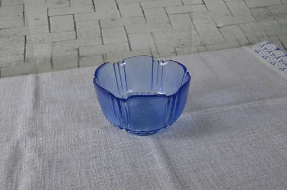 Vintage Small Bowl for Punch Glass cookie jar Salad plate