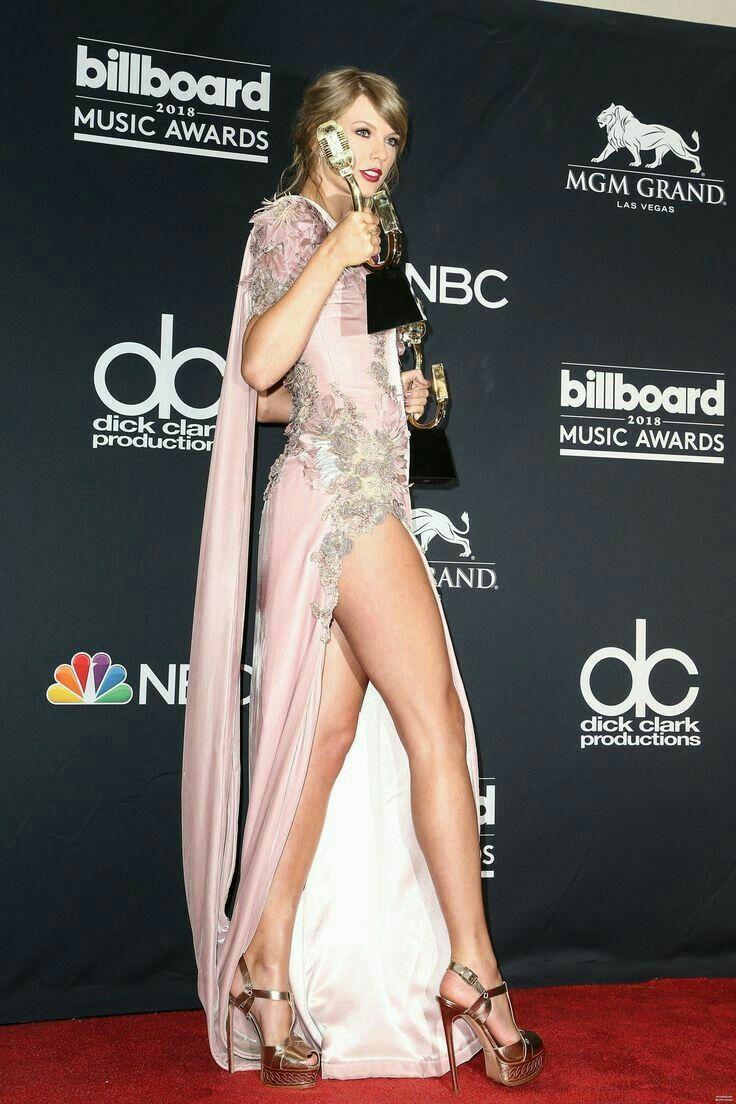 Taylor Swift Taylor Swift Legs Taylor Swift Style Taylor Swift Hot