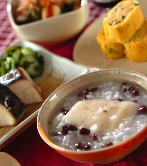 今日の献立は「小豆粥」 - 【E・レシピ】料理のプロが作る簡単レシピ[1/1ページ]