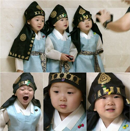 Song triplets in Hanbok outfit!