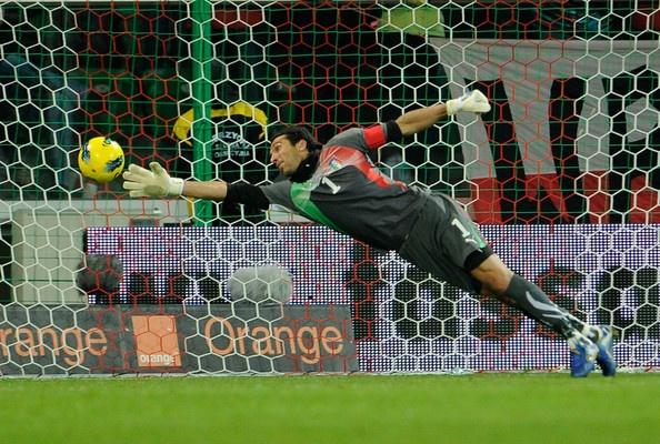 Super Save by Gianluigi Buffon #Soccer #Futball #Football #Italy