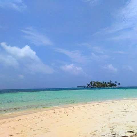 SAN BLAS ISLAND//PANAMA. Desde 126$ la noche p.p.  Consultas al WhatsApp (507) 6147-9602 #sol #aventura #amigos #Cultura #sanblas #kunayala #isla #trip #tourism #paradise #voyage #beautiful #paraiso #caribbean #landscape #amanecer #vacaciones #turistas #caribe #viajes #America #Europa #Panamá #sunset #travel #adventure #gunayala #viajando #playa #viajandoando by sanblas_islandspanama