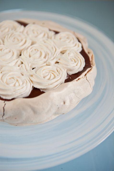 Dark Chocolate Mousse & Cinnamon Meringue Pavlova Tarts