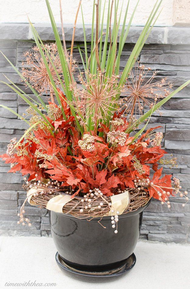 8 Tips For Making A Gorgeous Fall Outdoor Floral Arrangement