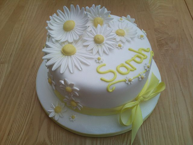 Daisy Cake by Flo's Cakes, via Flickr