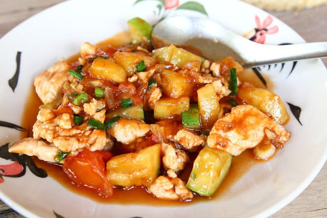 Sweet and sour chicken  ไก่ผัดเปรี้ยวหวาน