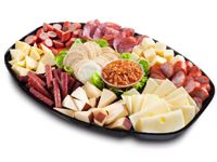Entertainers Platter  Cabanossi or Kabana 250g Plain Kransky 250g Hungarian Salami 180g Mild Twiggy Sticks 300g Frico Dutch Smoked Cheese 280g Frico Maasdam Cheese 200g South Cape Edam Cheese 220g South Cape Vintage Cheddar 230g Wattle Valley Chunky Dip 150g South Cape Crispbread 100g Garnished with Oakleaf Lettuce