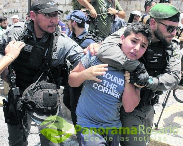 Tensión en Jerusalén porque Israel puso detectores de metal