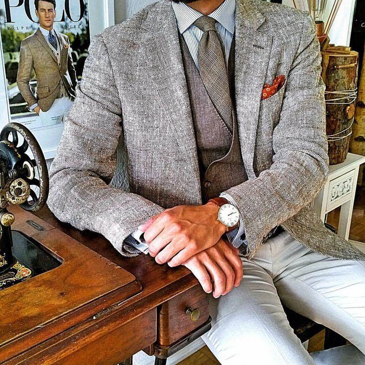Bespoke style 👔 | #tslstyle #TSL #i Inspiration : @tslstyle @thefinegentlemen @gentwithsuits @worldsfashionblogger @menslaw @menwithinfluence @menwithclass #dapperstyle #bespoke #suitswag #swag #gentlemen #spezzatura #ik #outfit #outfits #themanity...