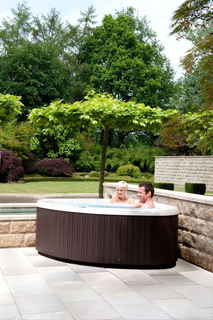 Suficientemente compacto como para una cubierta del segundo piso, pero lo suficientemente amplio para que usted pueda estirarse y relajarse, los modelos SX y TX son opciones ideales para una primera bañera de hidromasaje.