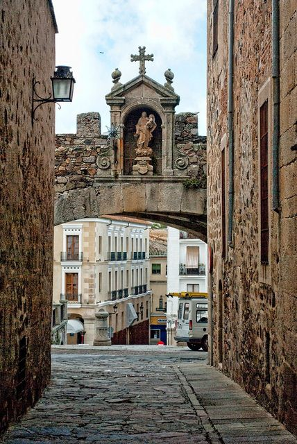 Arco de Santa Ana Cáceres Spain, fue declarado Patrimonio de la humanidad,por la Unesco, el año1993